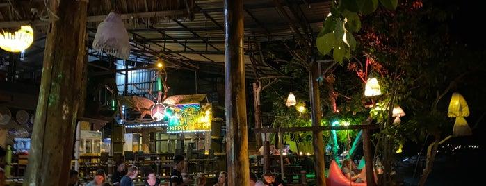 Hippies Bar is one of Patricio'nun Beğendiği Mekanlar.