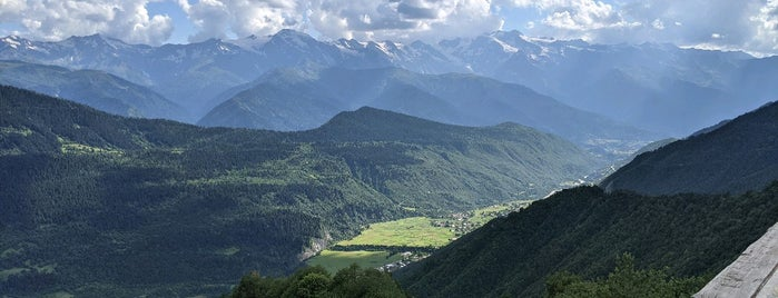 Cross On The Hill / Tskahazagari Mountain is one of Gürcistan 2018 Mestia.