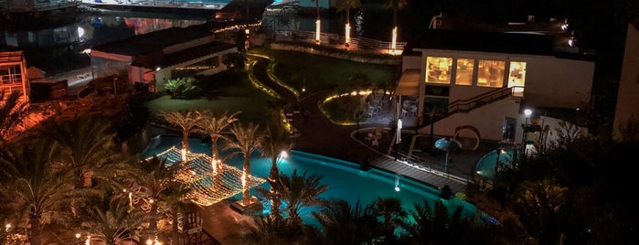 Lagoona Beach Luxury Resort and Spa is one of Lina 님이 저장한 장소.