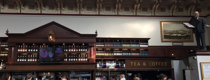 The Standing Order (Wetherspoon) is one of Posti che sono piaciuti a Kara.
