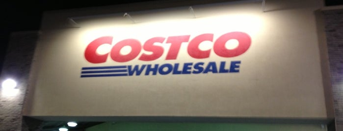 Costco is one of Locais curtidos por Marcus.