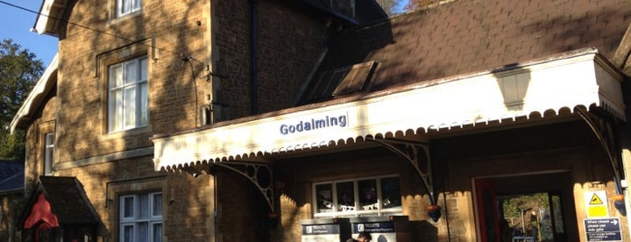 Godalming Railway Station (GOD) is one of Anthony'un Beğendiği Mekanlar.
