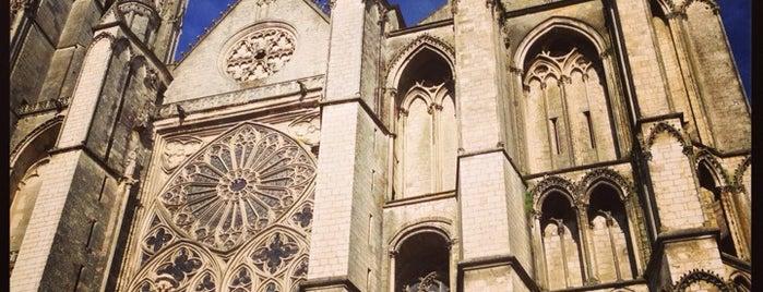 Cathédrale Saint-Étienne de Bourges is one of Bienvenue en France !.
