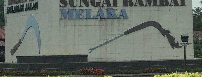 Pintu Gerbang Selatan Sungai Rambai is one of Hirman Evo ®  님이 좋아한 장소.