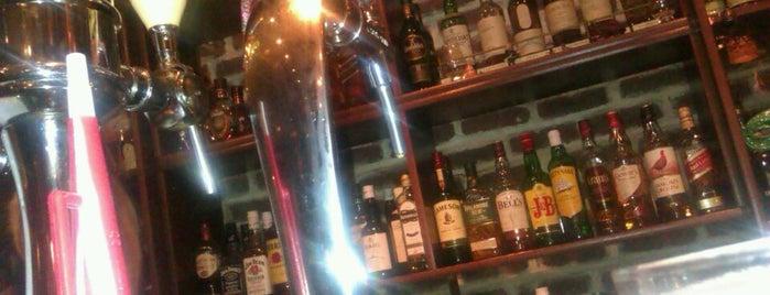 The Bristol Pub is one of Lieux qui ont plu à Stelios.