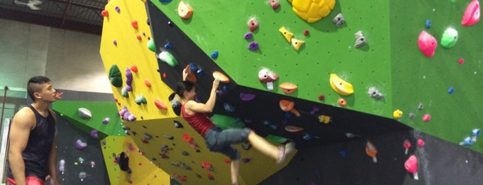 Hub Climbing Markham is one of TO ᕕ( ᐛ )ᕗ.