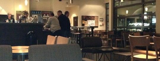Starbucks is one of Orte, die Lewando gefallen.