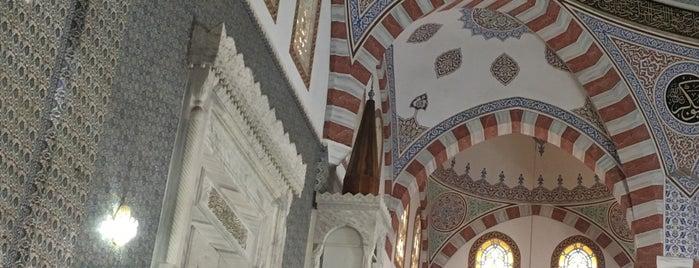 Dergah Çarşısı is one of Locais salvos de Mehmet.