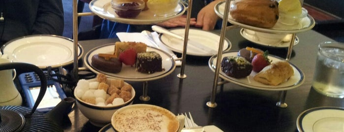 The Royal Pavilion Tearoom is one of สถานที่ที่ Ann ถูกใจ.