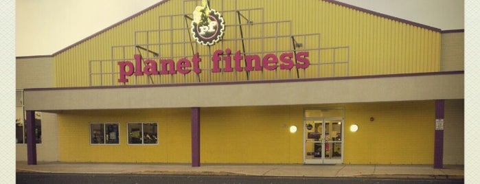 Planet Fitness is one of Posti che sono piaciuti a Michelle.