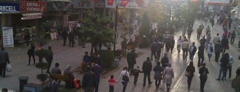 Cumhuriyet Caddesi is one of Lugares guardados de Yasemin Arzu.