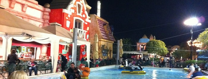 Allou Fun Park is one of Tempat yang Disukai maria.
