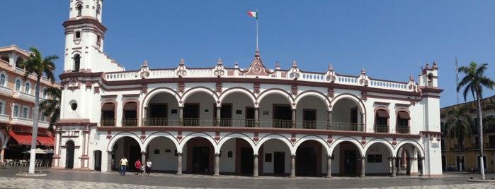 Palacio Municipal de Veracruz is one of Chill : понравившиеся места.
