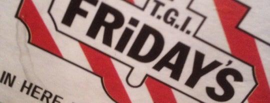 TGI Fridays is one of JonElle 님이 좋아한 장소.