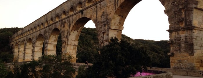 Pont du Gard is one of Bienvenue en France !.