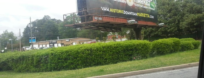 Marietta Billboard is one of Tempat yang Disukai Rachel.