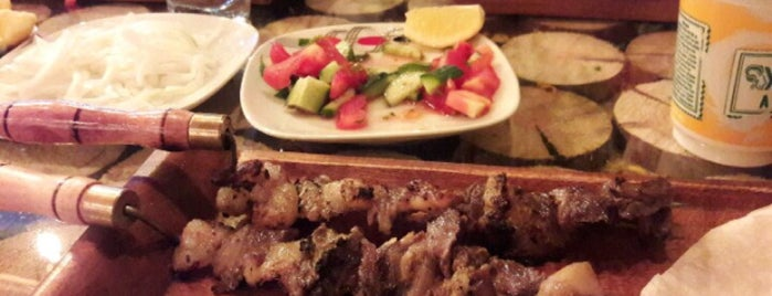 Semaver Cafe , Bistro , Nargile is one of Lieux qui ont plu à Burak.