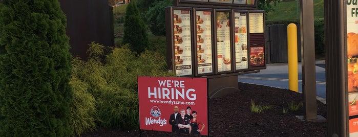 Wendy's is one of สถานที่ที่ Jordan ถูกใจ.