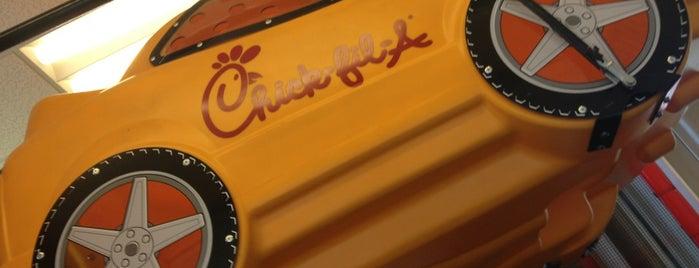 Chick-fil-A is one of สถานที่ที่ Connie ถูกใจ.
