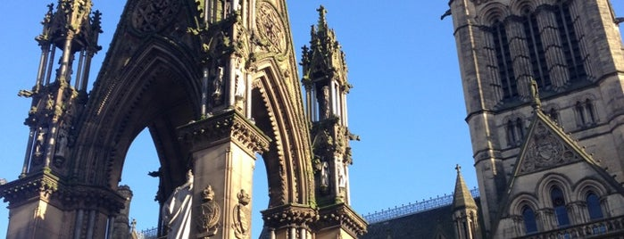 Manchester Town Hall is one of Manchester to-do.