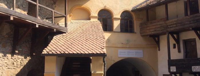 Biserica Fortificată Prejmer is one of สถานที่ที่ Thomas ถูกใจ.