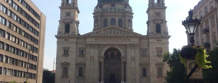 Szent István Bazilika is one of สถานที่ที่ Thomas ถูกใจ.