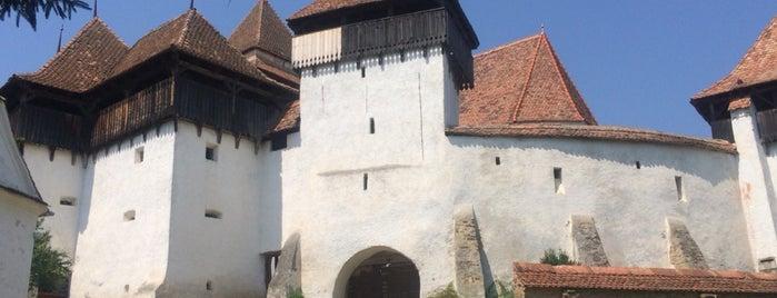 Biserica Evanghelică Fortificată Viscri is one of สถานที่ที่ Thomas ถูกใจ.