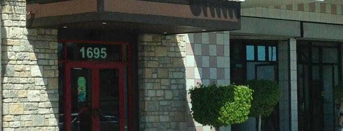 Chili's Grill & Bar is one of Albert 님이 저장한 장소.