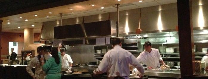 Carrabba's Italian Grill is one of Gavin : понравившиеся места.