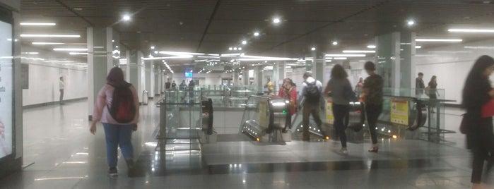 RapidKL Muzium Negara (SBK15) MRT Station is one of 高井 님이 좋아한 장소.