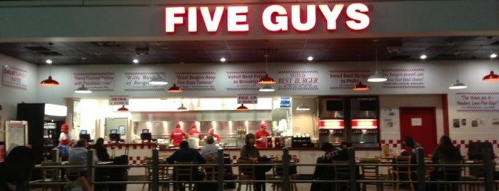 Five Guys is one of Orte, die mubasen gefallen.