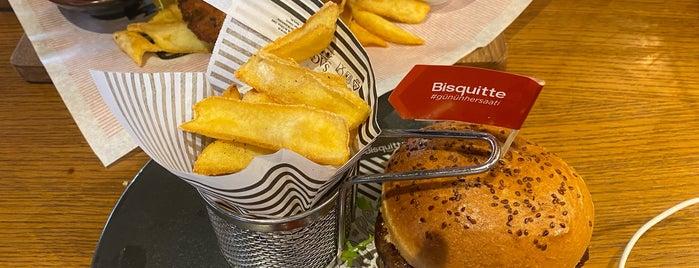 Bisquitte is one of BizimTaraf💜.