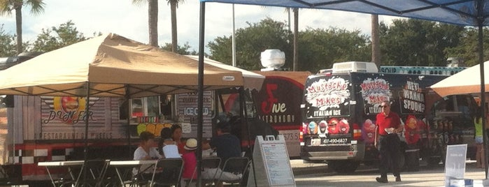 Oviedo Food Truck Bazaar is one of Orlando Eats.