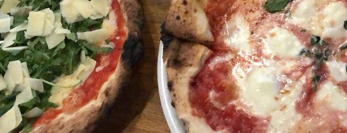pizzeria montana is one of Locais curtidos por Vangelis.