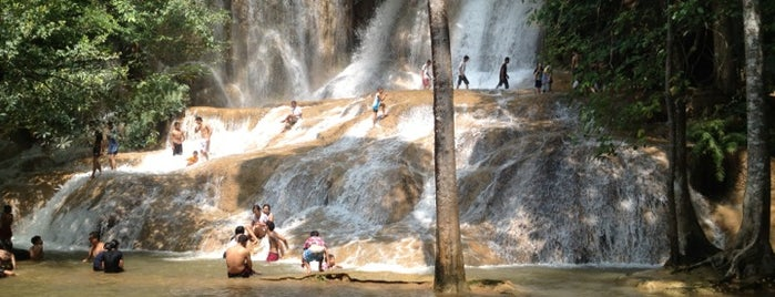 Sai Yok Noi Waterfall is one of Orte, die Анна gefallen.