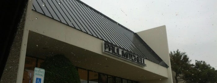 Paul Mitchell The School Dallas is one of Lugares favoritos de Zarahi.