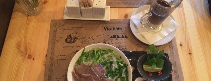Pho'n'roll cafe is one of Sasha 님이 좋아한 장소.