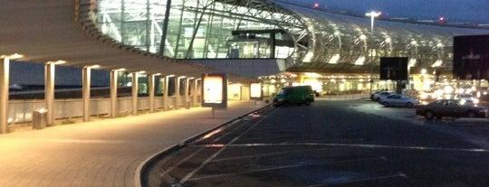 Düsseldorf Airport (DUS) is one of Airports (around the world).