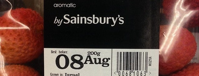 Sainsbury's is one of Lieux qui ont plu à Henry.