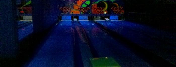 Spiel Bowling is one of Lieux qui ont plu à Káren.