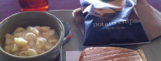 Panera Bread is one of สถานที่ที่บันทึกไว้ของ rodney.