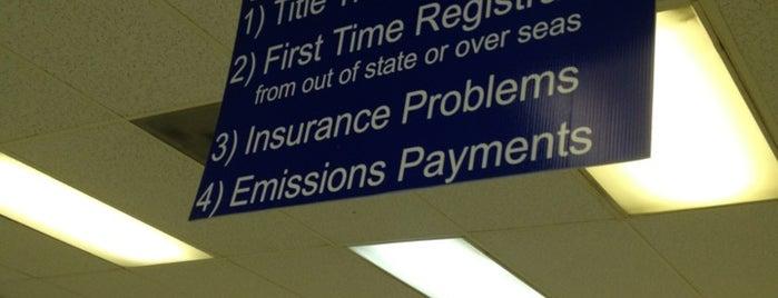 NC DMV Vehicle & License Plate Renewal is one of J'ın Beğendiği Mekanlar.