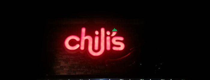 Chili's Grill & Bar is one of Locais salvos de Sloan.
