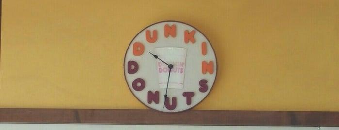 Dunkin' is one of สถานที่ที่ Mike ถูกใจ.