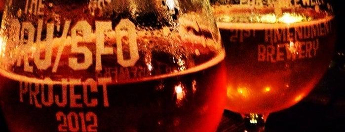 Magnolia Gastropub & Brewery is one of Orte, die Kaela gefallen.