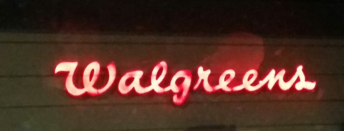 Walgreens is one of Alejandroさんのお気に入りスポット.