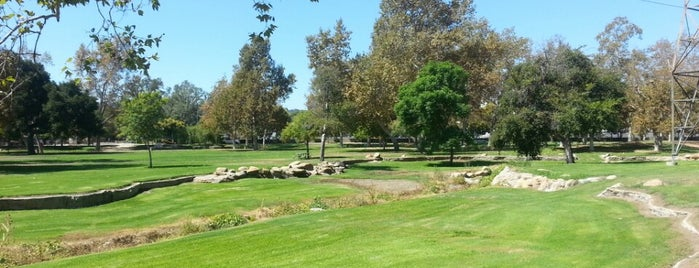 Johnny Carson Park is one of Lugares favoritos de Lau.