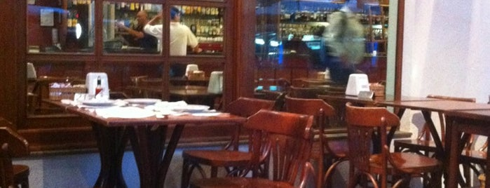 Senzala Restaurante is one of Locais curtidos por Lucas.