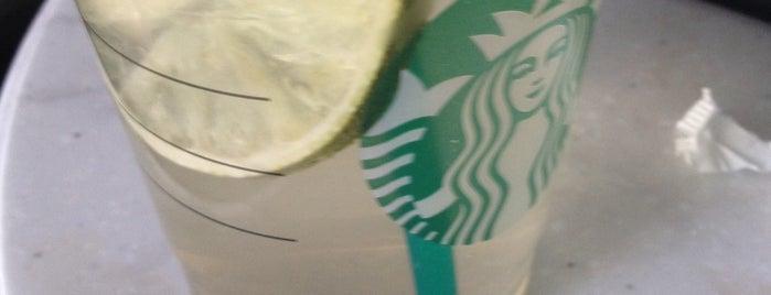 Starbucks is one of Lugares guardados de Sedat.