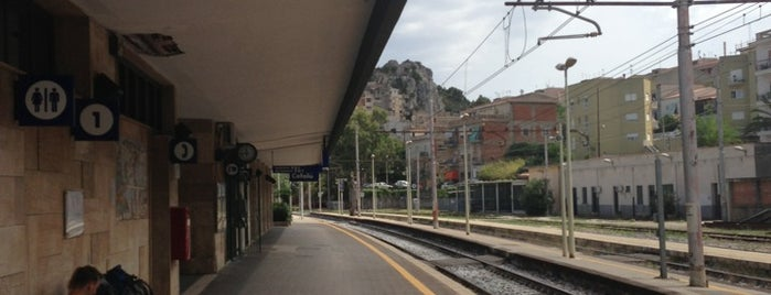 Stazione Di Cefalù is one of Pelin : понравившиеся места.